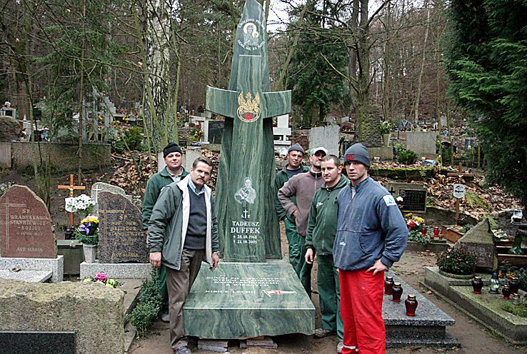 31 - Pomnik