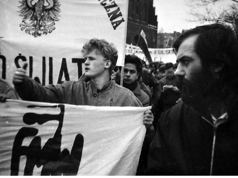 Manifestacja w Gdańsku z transparentem Andrzej Duffek
