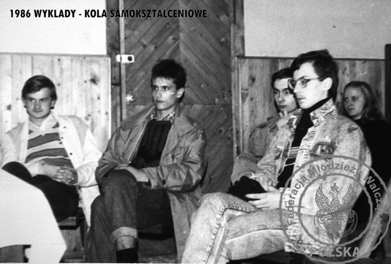 """Koło Samokształceniowe po lewej """"Powstaniec"""" Mariusz Roman, po prawej Dorota Szewczyk. FMW Gdańsk"""