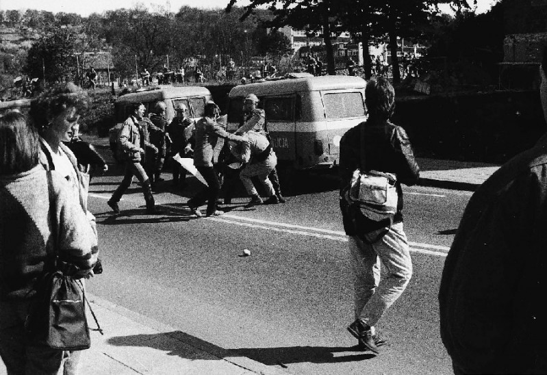 Walki z ZOMO po manifestacji - 1.V.1989