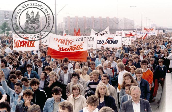 2 - Gdańsk Zaspa - pochód po mszy, formuje się manifestacja