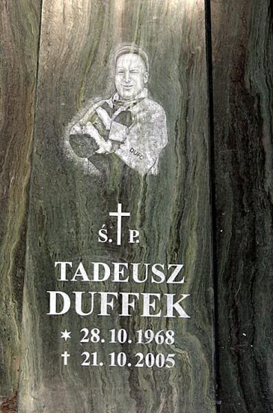 32 - Pomnik