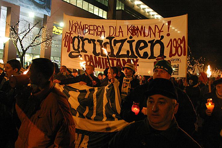 38 - Tadeusz na manifestacji