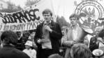 31 - Mariusz Roman FMW przemawia na wiecu 1989 r.