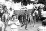 4 - Marek Fila na manifestacji w 1988 r. /ten centralnie pierwszy/